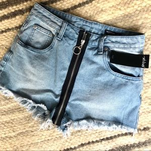 Zip up denim shorts